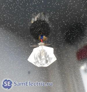 Неправильная установка встроенных точечных светодиодных светильников в натяжной потолок