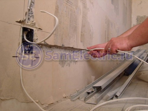 Прокладка кабеля на кухне