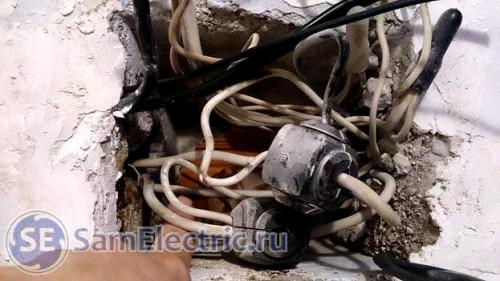 Старая проводка в квартире - распределительная коробка