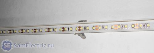 Светодиодная лента в кабель-канале на потолке