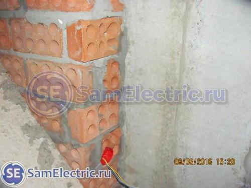 Вывод розетки с противоположной стороны стены