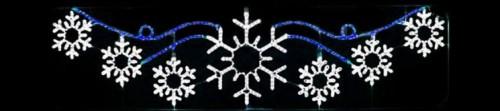 """Светодиодное панно """"Снежинки"""", размером 300х88см, перетяжка между столбами на улице города"""