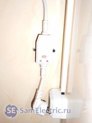 Электрическое подключение водонагревателя - вилка с Устройством Защитного Отключения