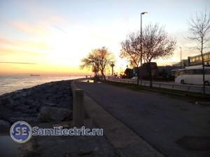Закат. Солнце садится в Мраморное море.