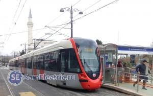 Трамваи состоят из двух вагонов.