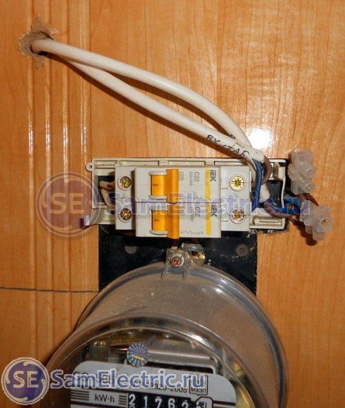 Подключение стабилизатора напряжения после автоматов через клеммы согласно приведенной схеме