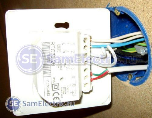 Подключение теплого пола и датчика к терморегулятору