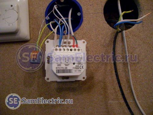 Монтаж регуляторов температуры электрического теплого пола