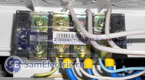 Применение клеммных колодок TB4504 для соединения вводных проводов