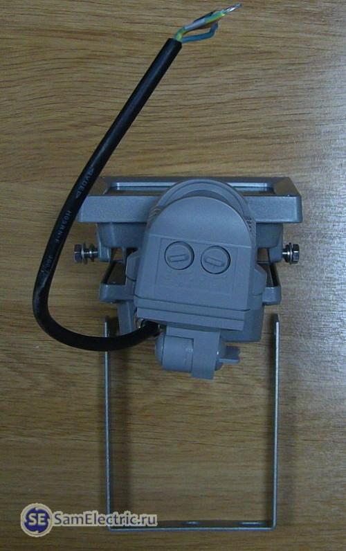 6_Светодиодный прожектор_крепеж и регулировки
